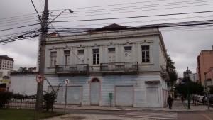 (local: Rua Visconde de Guarapuava, n. 2628)